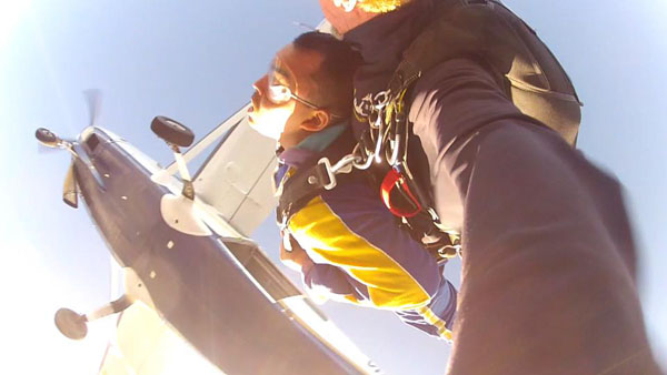 Lompat dari 14 ribu kaki - Tandem Skydive