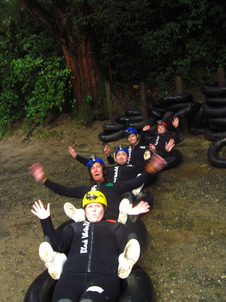 Latihan Black Water Rafting