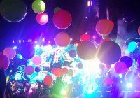 Coldplay - Dekorasi Bola Warna Warni